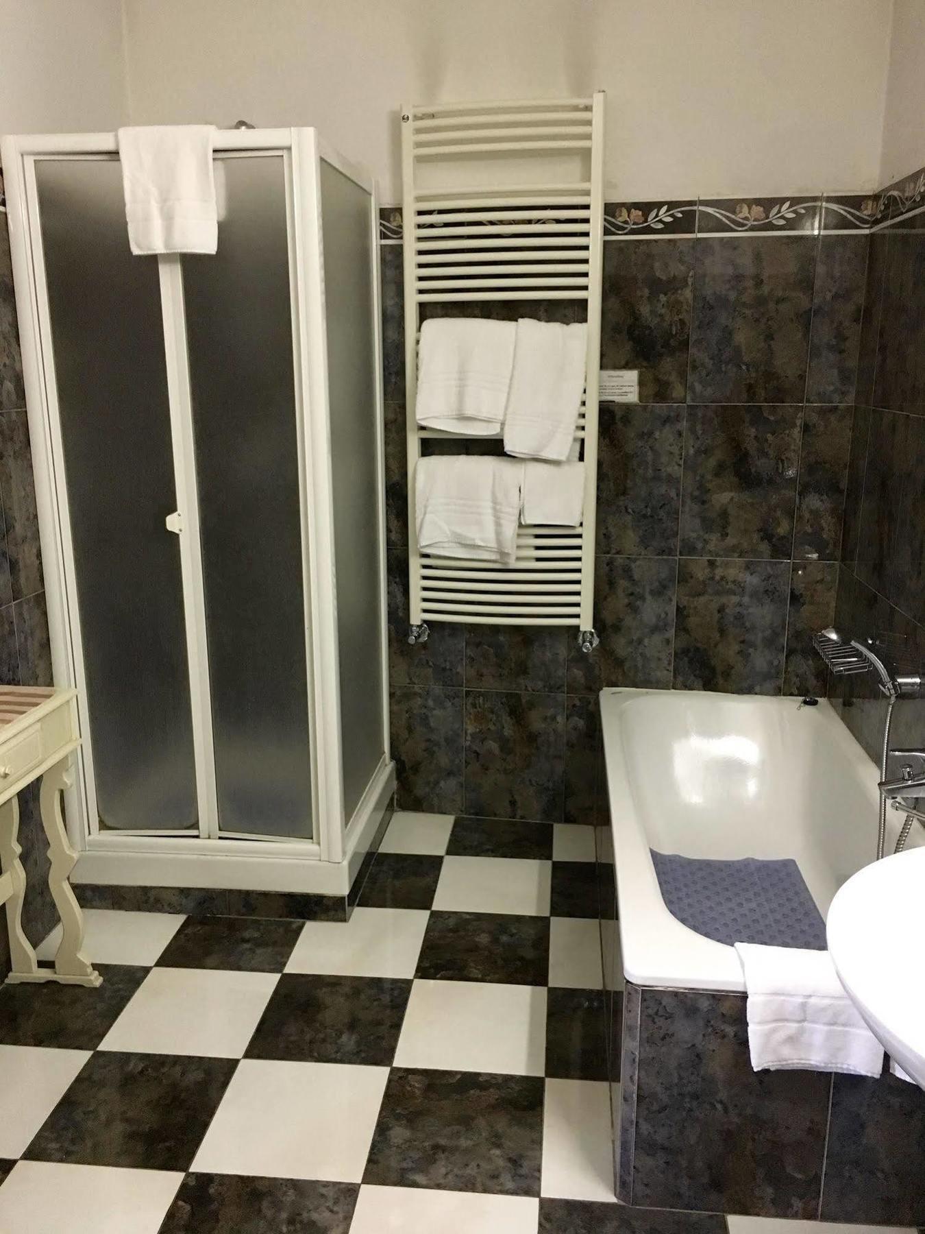 HOTEL SOGGIORNO ANTICA TORRE, FLORENCE **